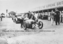 Morgan 3 wheeler Clive Lones at Brooklands 1932 Relay Race (b)